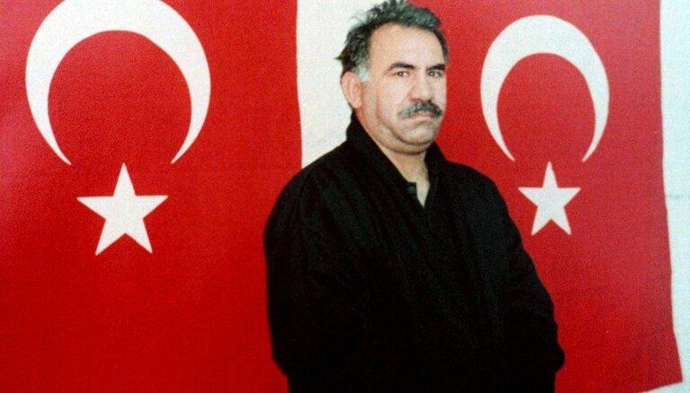 Ieslodzītajam PKK līderim Edžalanam pirmo reizi astoņu gadu laikā atļauts tikties ar advokātiem