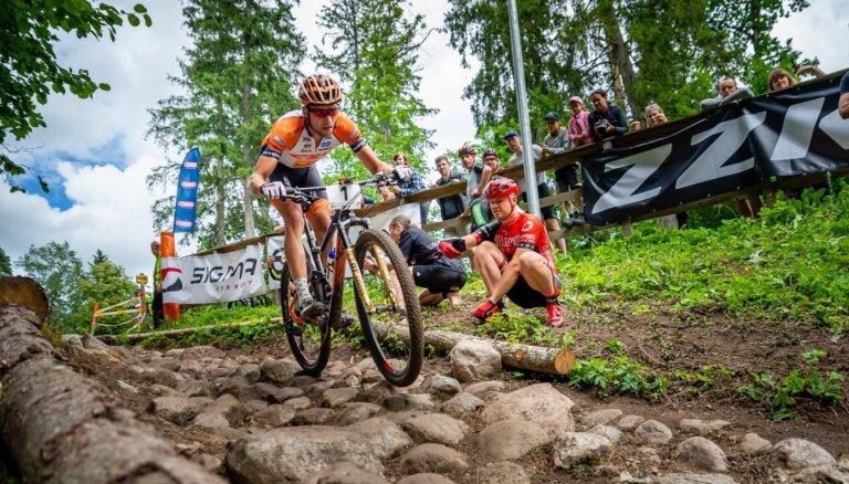 Foto: Blūms triumfē pirmajā Latvijas un Lietuvas čempionātā MTB XCO