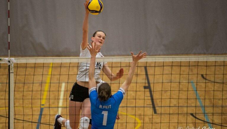 Latvijas volejbolistes viesos piekāpjas igaunietēm arī trešajā pārbaudes spēlē