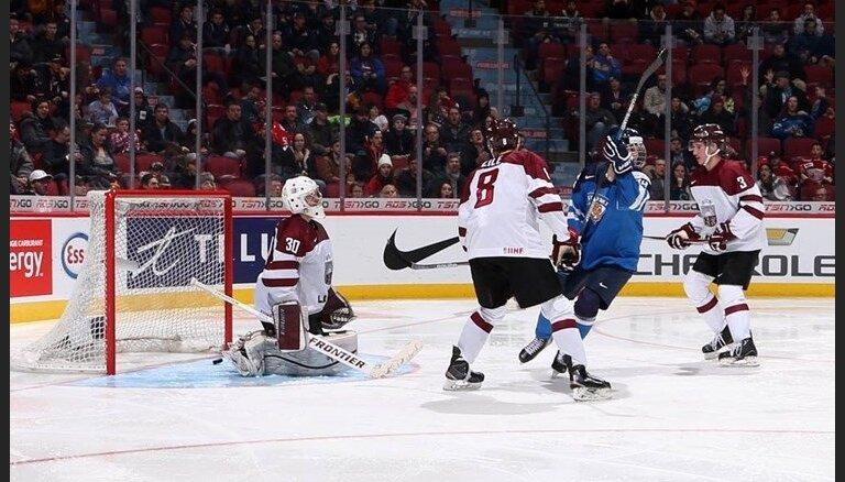 ФОТО: Хоккеисты Латвии проиграли все матчи и вылетели из элитной группы