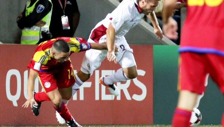 ВИДЕО, ФОТО: Как сборная Латвии добилась победы благодаря ошибке вратаря