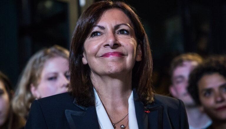 Francijas prezidenta vēlēšanas: Parīzes mēre iegūst sociālistu partijas nomināciju