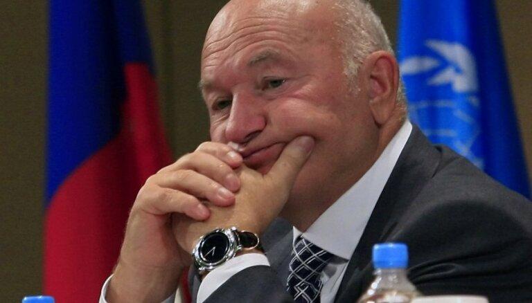 Лужков назвал ситуацию в российской экономике критической