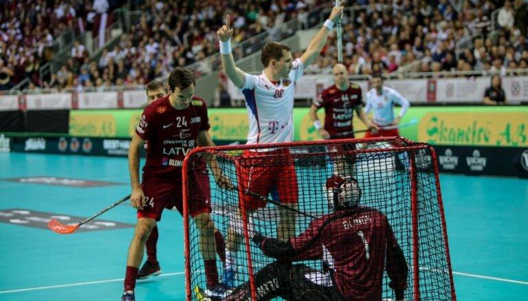 Флорболисты Латвии на чемпионате мира в Риге проиграли и второй матч