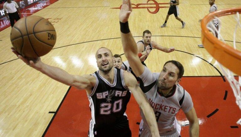 'Rockets' pārliecinošā uzvara pār 'Spurs' ļauj noslēdzošajās minūtēs laukumā nākt arī Bertānam