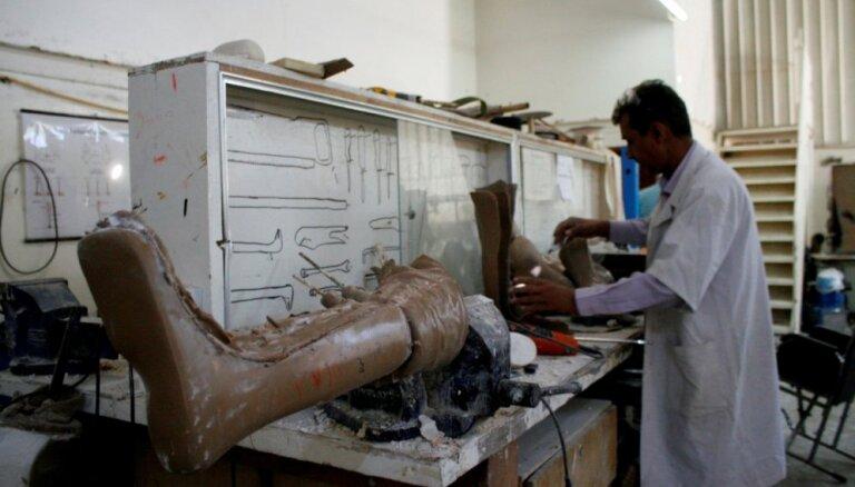 Uzlidojumos Jemenā otrdien vien nogalināti 68 civiliedzīvotāji, ziņo ANO