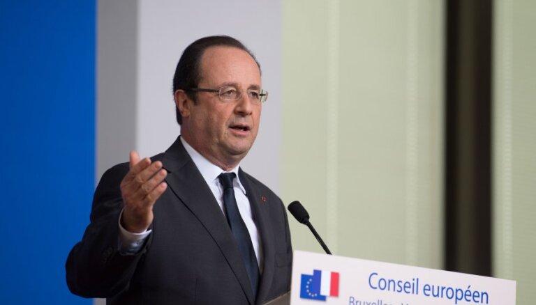 Олланд разрешил вернуться во Францию депортированной косовской школьнице
