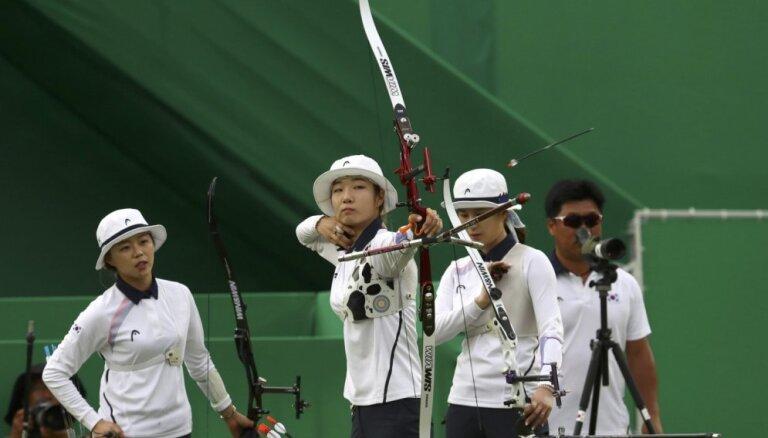 Korejas loka šāvējas triumfē astotajā olimpiādē pēc kārtas