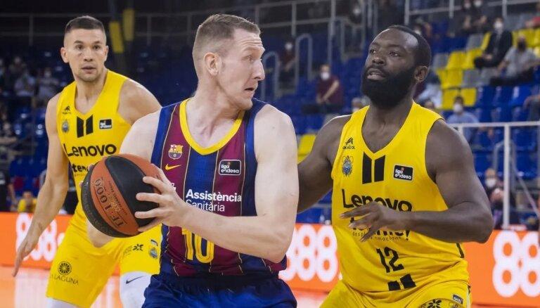 Šmitam desmit punkti; 'Barcelona' uzvar pirmajā pusfināla spēlē