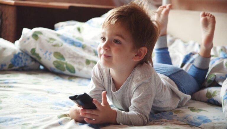 Psiholoģe: animācijas filmas var un vajag skatīties kopā ar bērniem