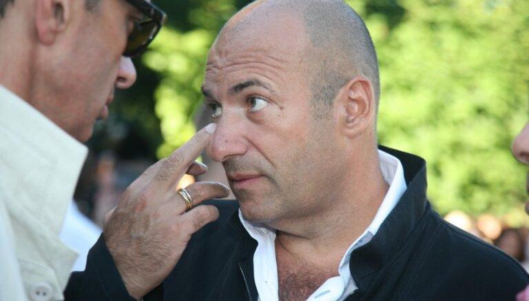 Крутой опубликовал видео 25-летней давности с волосами на голове и Пугачевой