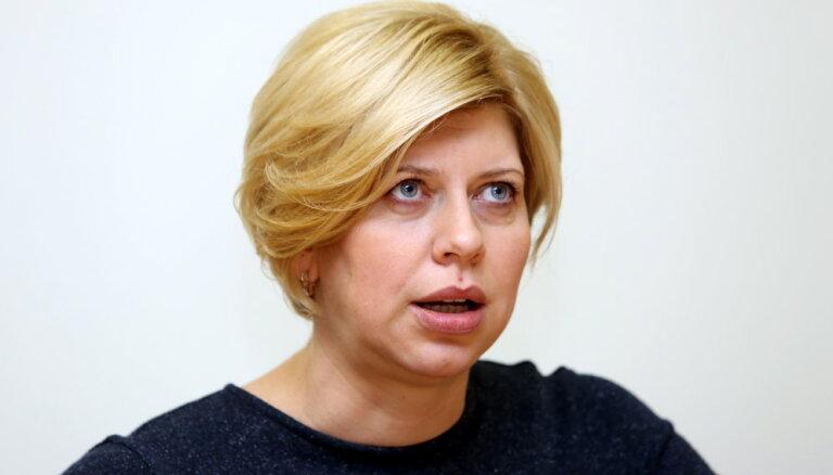 """""""Я не считаю, что это кома!"""" Министр Анда Чакша поставила диагноз здравоохранению Латвии"""