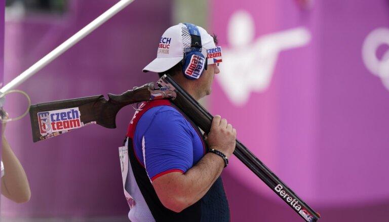 Čehi sīvā finālā sadala zeltu stenda šaušanā; Sanmarīno pirmā medaļa OS vēsturē