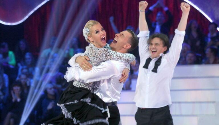 Fināla foto: 'Dejo ar zvaigzni' triumfē Liene Greifāne