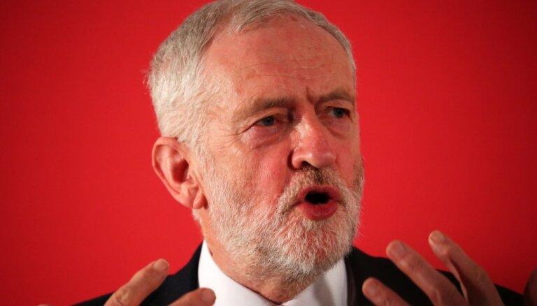 Lielbritānijas leiboristi un Ziemeļīrijas unionisti sola neatbalstīt panākto 'Brexit' vienošanos