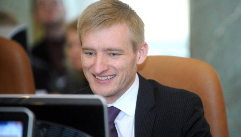 Latgalieši iestājas par Sprūdžu; aicina premjeru nelaist ministru prom