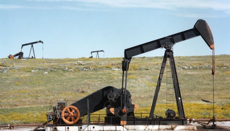 Цена на нефть марки Brent опустилась ниже 60 долларов за баррель