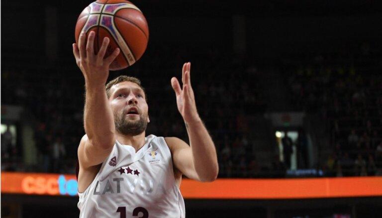 Strēlnieka un Timmas pārstāvētā 'Olympiakos' zaudē Eirolīgas čempioniem
