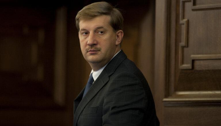 """Клементьев: """"депутатские квоты"""" скрыты в бюджетных запросах министерств"""