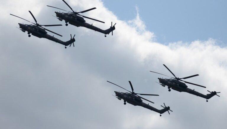 Latvijas debesīs piektdienas vakarā notiks intensīva lidmašīnu un helikopteru kustība