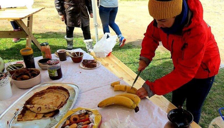 Foto: Kā Tukumā dzirkstīja Baltā galdauta svētki