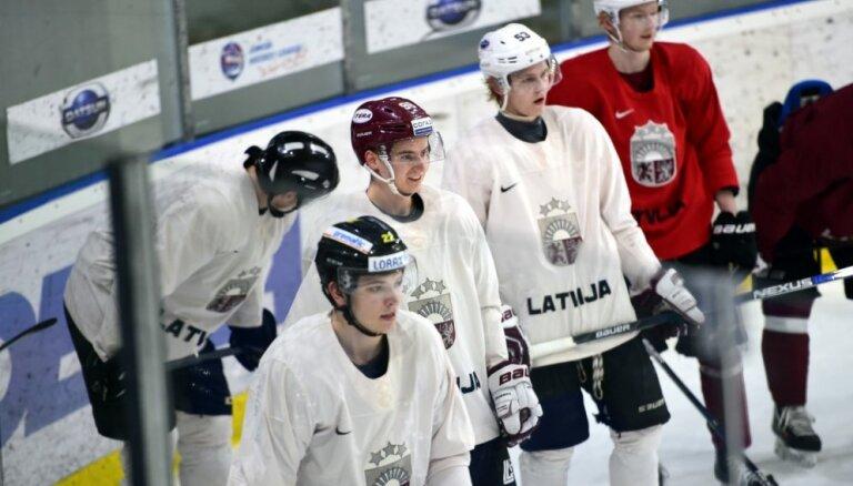 ФОТО, ВИДЕО: Хоккеисты сборной Латвии начали подготовку к ЧМ-2016