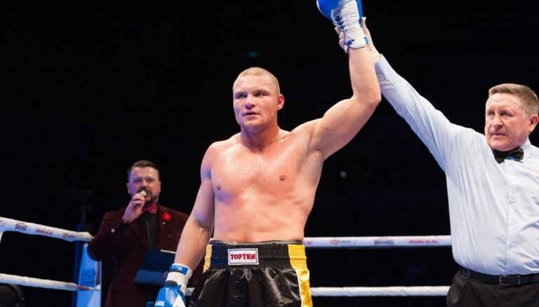 Bolotņiks pakāpies uz trešo vietu WBA pasaules rangā