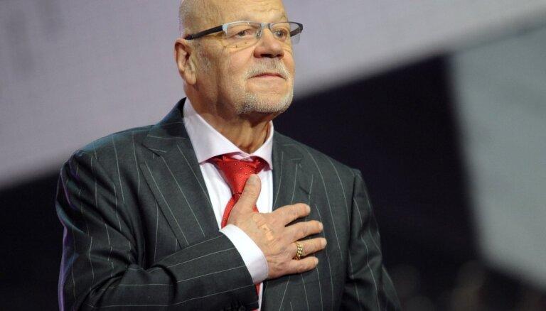 Lielkoncertā 'Dzejnieka sirdsvārdi' ieskandinās Jāņa Petera 80. jubileju