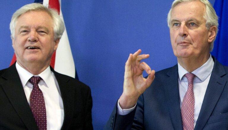 """Британия и ЕС согласились отсрочить реальный """"брексит"""""""