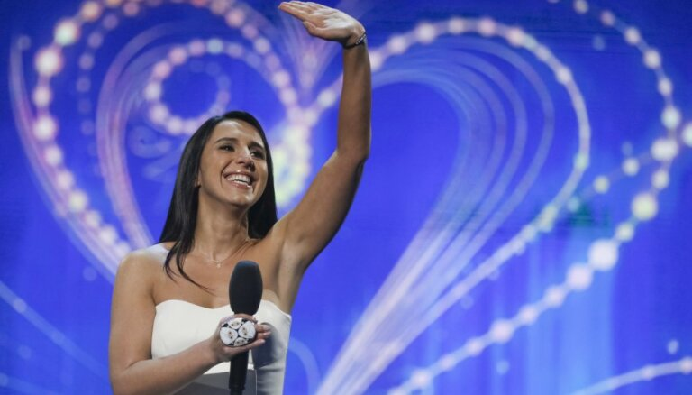 "Певица Джамала представит Украину на ""Евровидении"""