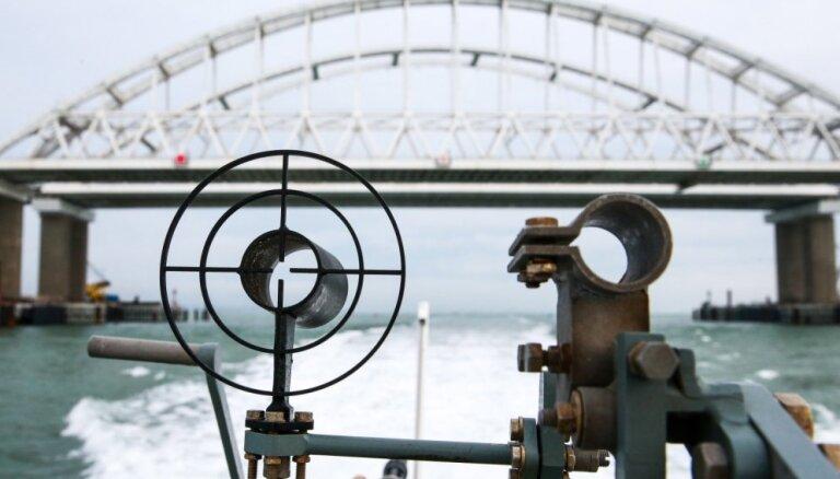 Ukraina gatavojas jaunam karakuģu braucienam caur Kerčas šaurumu