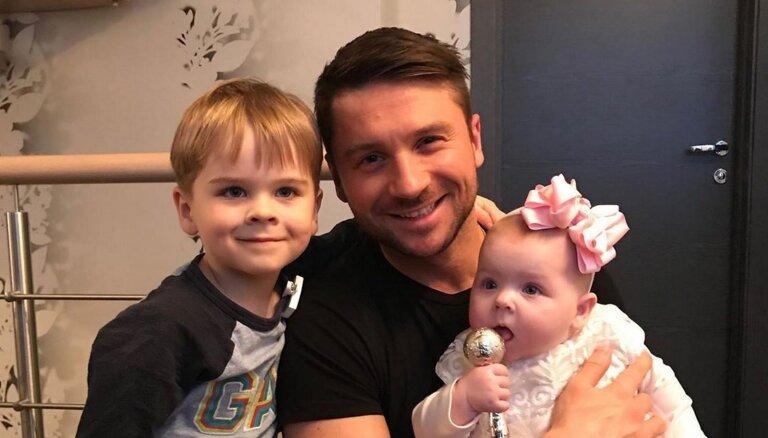 Только мои дети. Сергей Лазарев высказался о выносивших его сына и дочь суррогатных матерях