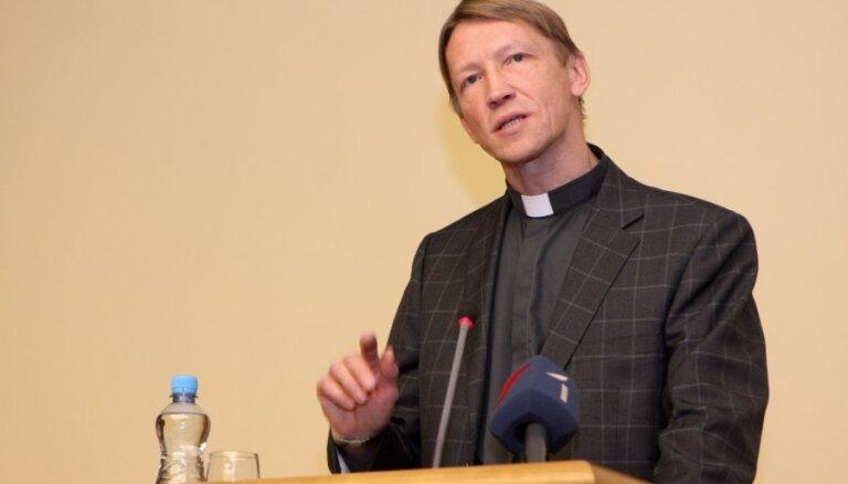 Юрис Рубенис предлагает подписать договор о моральном примирении