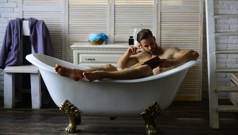 Tipiskas kļūdas, ko gultas prieku laikā pieļauj teju katrs vīrietis