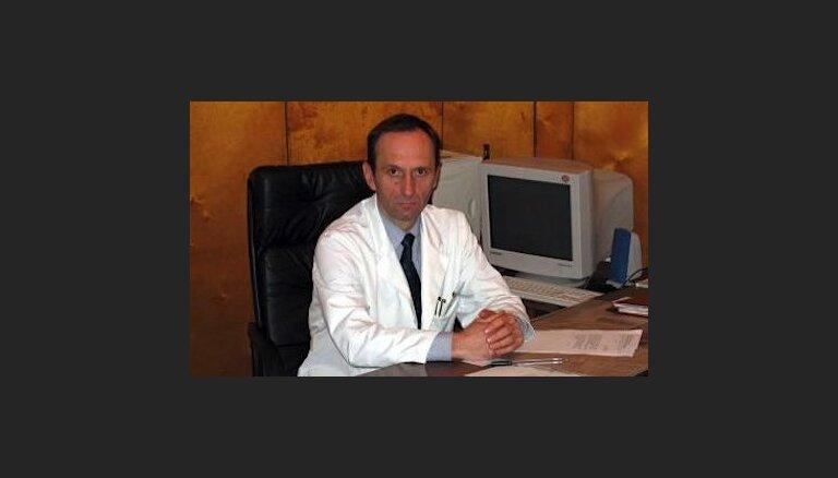 Kukuļošana Jelgavas slimnīcas iepirkumos: vadītājam Ķipuram uzrāda apsūdzību