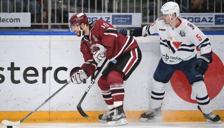 Bratislavas 'Slovan' pirmie zaudē cerības uz KHL 'play off'