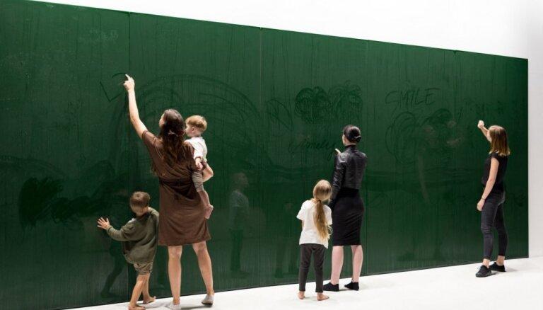 Artūra Analta instalāciju 'Matter to Matter' varēs aplūkot Melngalvju namā