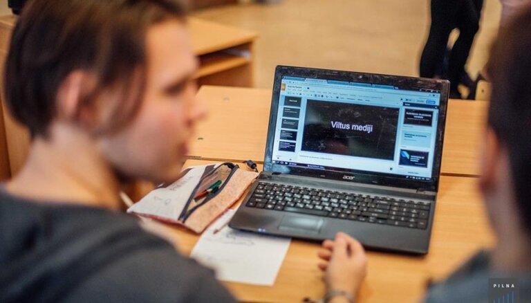 Žurnālisti dosies pie skolēniem: Medijpratības iniciatīva 'Pilna Doma' sāk jaunu sezonu