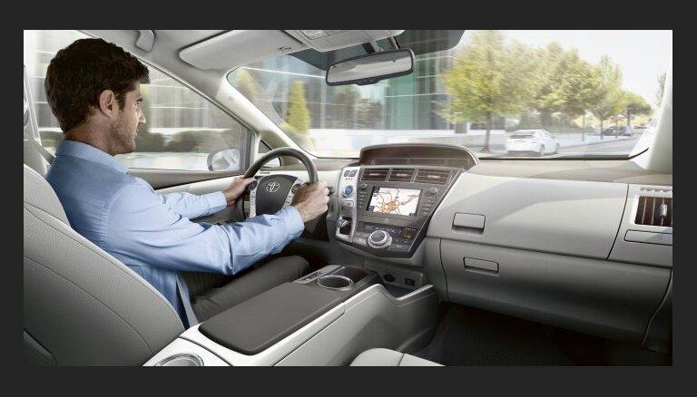 Pieredzējuši autovadītāji: piesardzība ir svarīgāka par pieredzi pie stūres