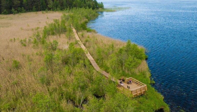 Ar skatu torņiem, pastaigu takām un vietām atpūtai: Latvijas ezeru izlase