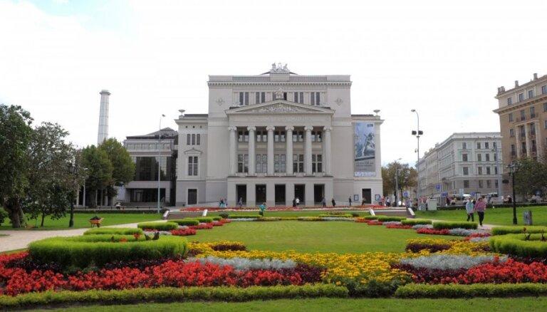 Новое руководство оперы обещает обеспечить непрерывную работу и подготовить репертуар