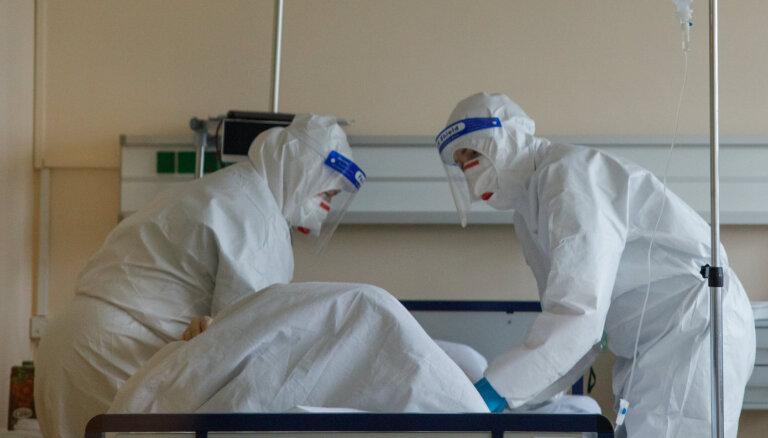 'Blakus palātā diviem cilvēkiem konstatēja Covid-19.' Ārstniecības iestādes pandēmijas laikā
