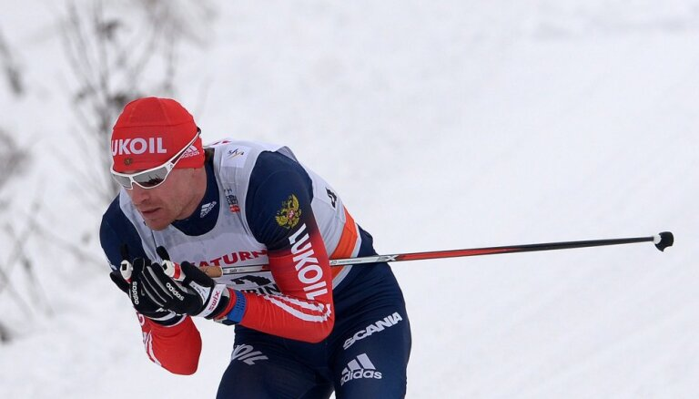 FIS отстранила шесть российских лыжников от соревнований
