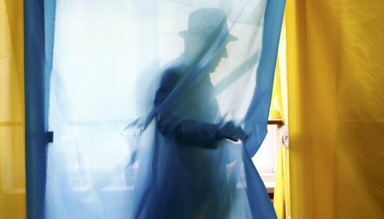 Ukrainā notiek prezidenta vēlēšanas