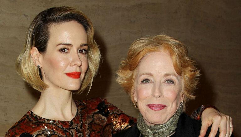 Divas populāras Holivudas aktrises kļuvušas par pāri