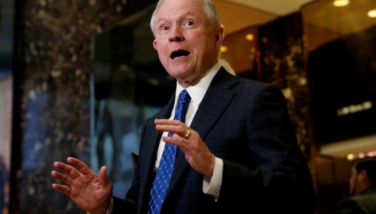 Tramps ģenerālprokurora amatu piedāvājis senatoram Sešonam