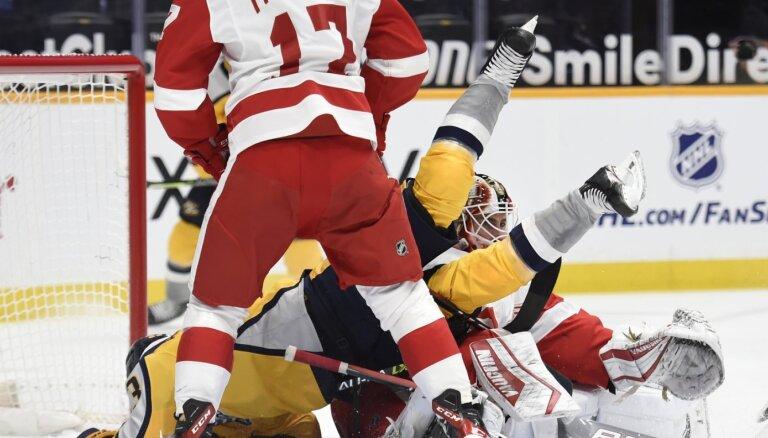Skandāls NHL – tiesnesis spēles pārraidē atzīst, ka vēlējies sodīt 'Predators'