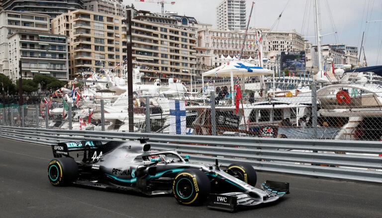 Hamiltons uzrāda labākos laikus pirmajās divās Monako 'Grand Prix' treniņsesijās