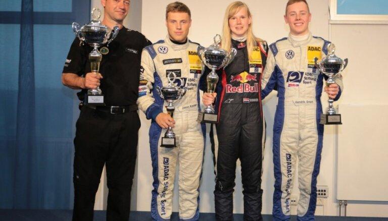 Holandiete Vissere izcīna pirmo uzvaru 'Formel ADAC' posmā