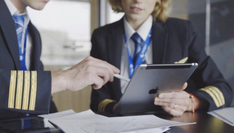 Планшетные компьютеры завоевывают сектор бизнеса — от справочников для пилотов до кассовых аппаратов в кафе